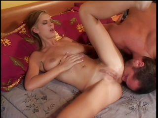 Порно фото целки крупным планом