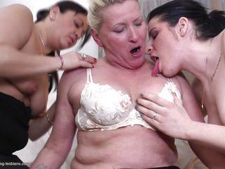 Лесбиянки видео смотреть лесби видео смотреть