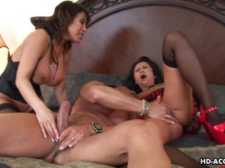 зрелые женщины в чулках порно